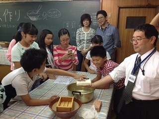 s-2014105 豆腐作り