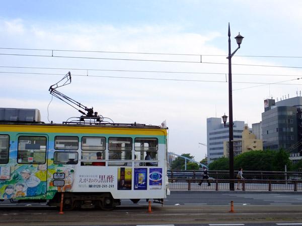 大甲橋を渡る市電。