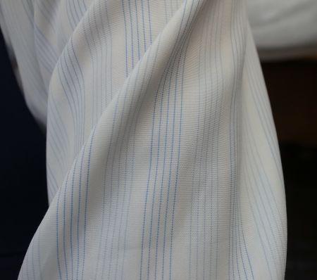 ブルーのストライプのオーダーワイシャツ