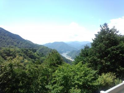 秦野峠から丹沢湖