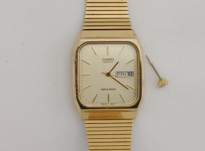 リューズはずれた時計