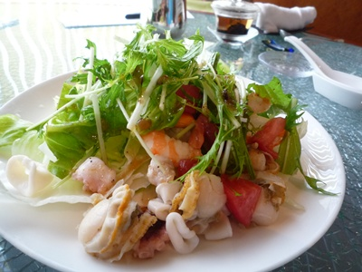 海老とホタテのサラダ