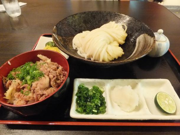 生醤油うどんと牛丼(小)