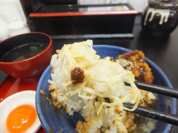 マヨネーズソースカツ丼