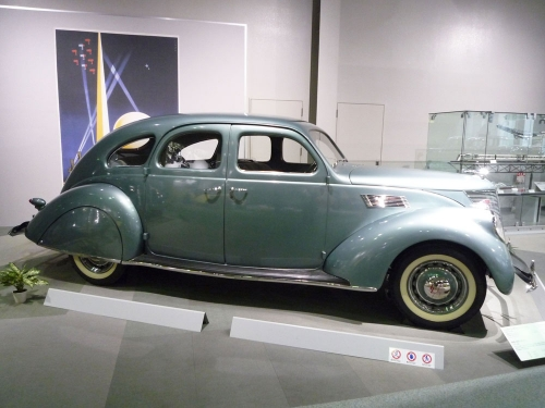 050_Lincoln-Zephyr-Series-HB