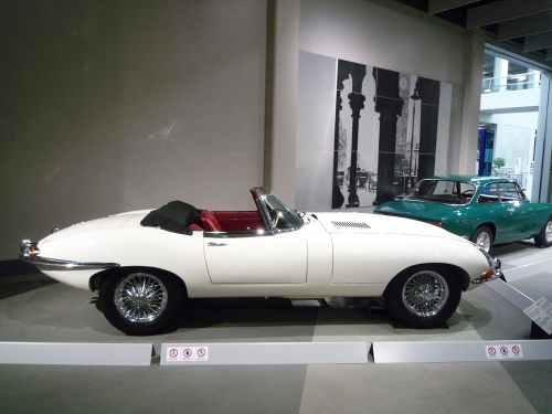 099_Jaguar-E-Type