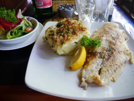 ポーチカフェ 魚のソテー