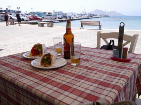 ナクソス島 港のカフェ