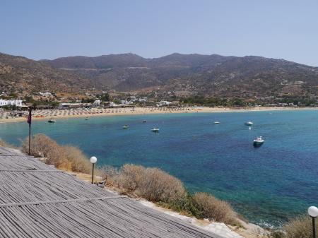 ミロポタスビーチの全景