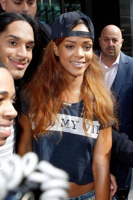 rihanna-and-lovers-friends.jpg