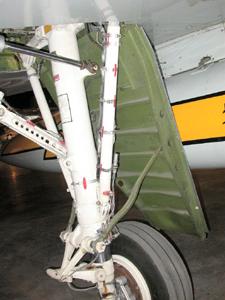 f-106 Under (2s)