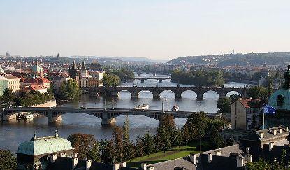 800px-Vltava_in_Prague.jpg