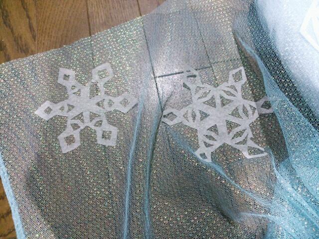 frozen エルサ 女王 アナと雪 結晶 手作り マント2