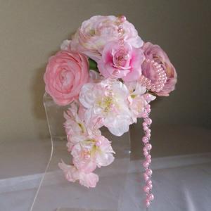ラナキュラスと桜の結婚式コサージュ