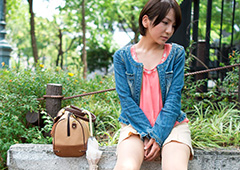 名古屋城近辺でAV女優・高梨あゆみをハメ撮ったエロ画像
