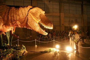 ティラノサウルス・・・でかっ!!