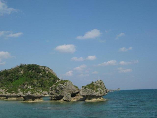 空と海と岩?