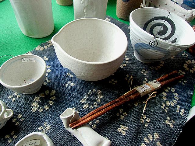 店内で販売されている陶器のかずかず