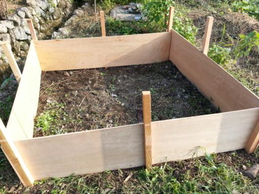 肥料作り 箱作成