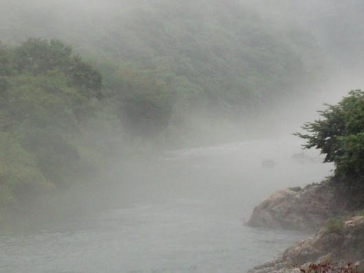 霧の匹見川2