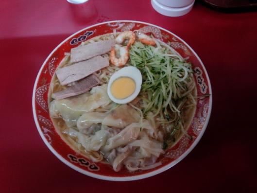 呉龍 冷麺ワンタン入り大盛り