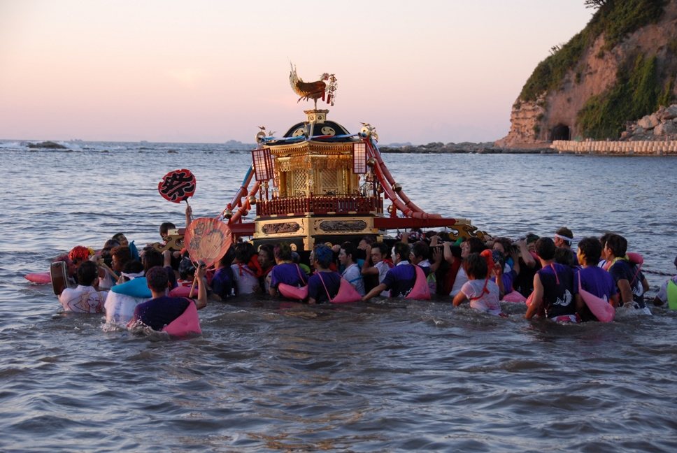 輪島大祭(奥津姫神社大祭)入水神事