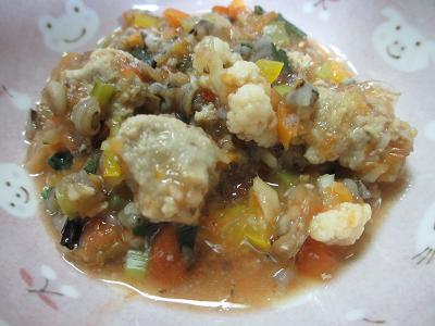 アゴのすり身入りトマト煮込みスープ