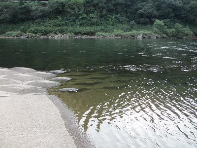 川へのカヌーつき場かな?