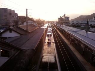 夕暮れの石和駅