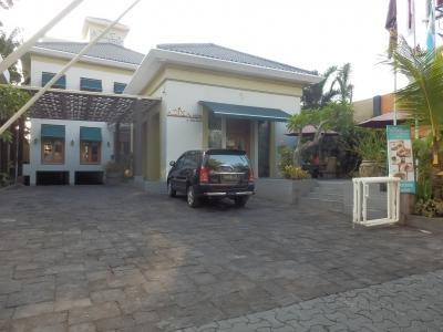 「Aziza Hotel Solo」3