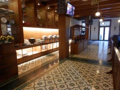 「Aziza Hotel Solo」13