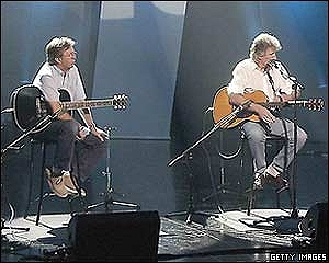 s-Eric+Clapton++Roger+Waters+_40726945_claptonwaters300gett.jpg