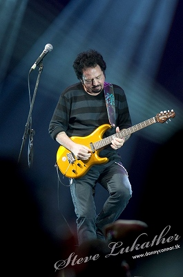 s-Steve_Lukather_by_DConnor.jpg