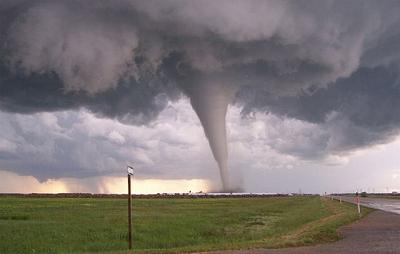 s-tornado2_640.jpg