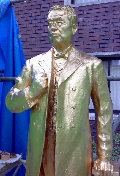 日々そうそう - 片岡健吉先生銅像修復Ⅱ (下地処理・修復・色仕上げ)