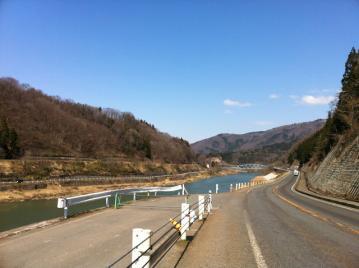 20130413CAAD10栄村へ