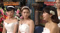 木南晴夏のドレスの鎖骨画像