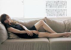 山岸舞彩美脚ボディコンミニスカ画像