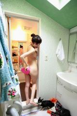 小野真弓全裸風呂上り画像