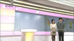 鈴木奈穂子アナのミニスカ黒ストッキング画像