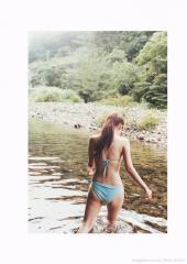 成海璃子のプリケツビキニ画像
