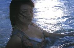 相武紗季の乳輪ギリギリビキニ画像