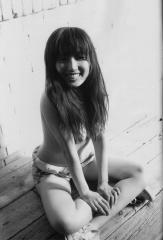 三津谷葉子の乳首ポロリ画像