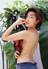木村佳乃ノーブラ上半身ヌード画像