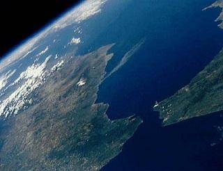 宇宙から見たジブラルタル海峡