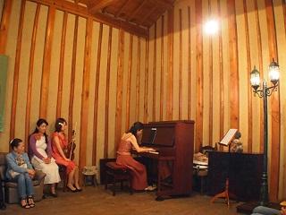 20130505八木亭ピアノ演奏