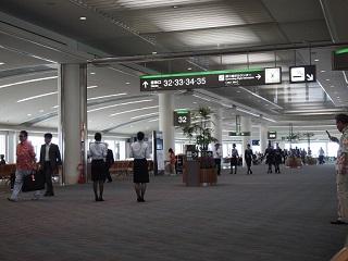 20130522那覇空港ANAロビー