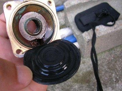真空管太陽熱温水器 安全弁の取り替え分解