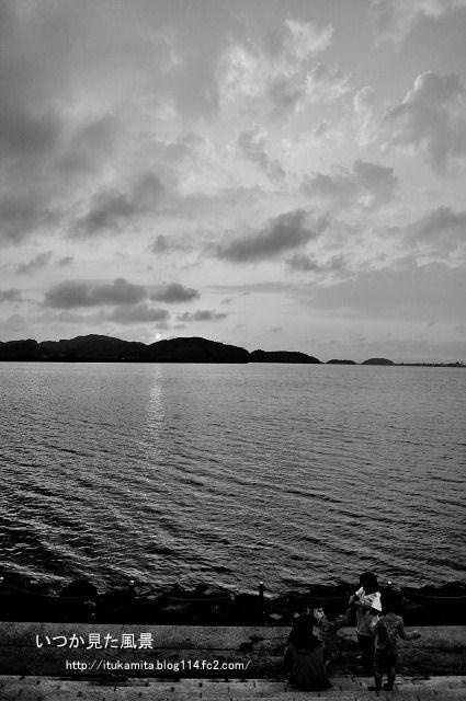 夕暮れの中海