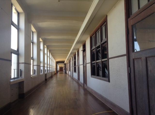 豊郷小学校2F廊下